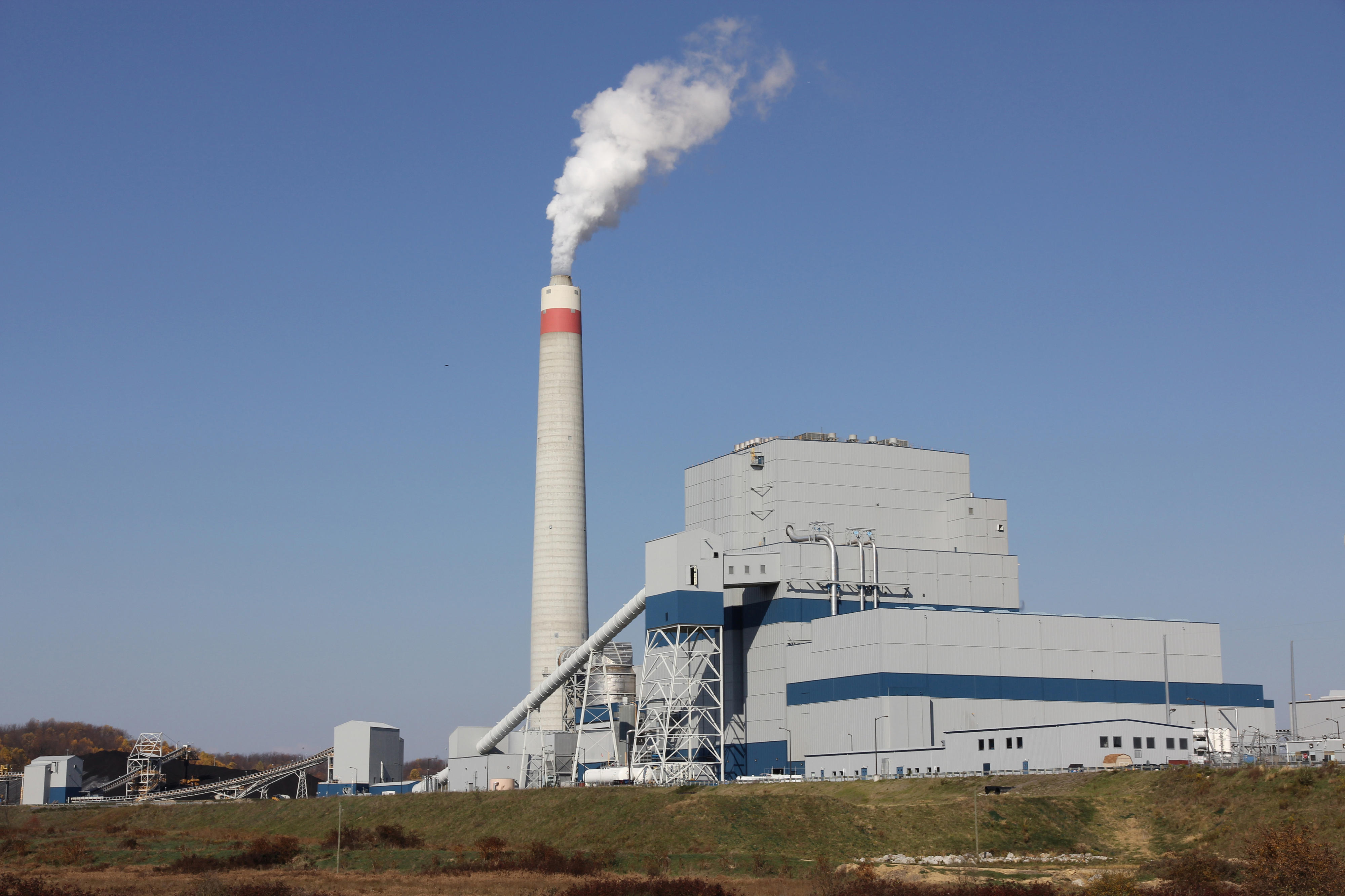 Emerson Helps Longview Power Plant Be e e of the Cleanest
